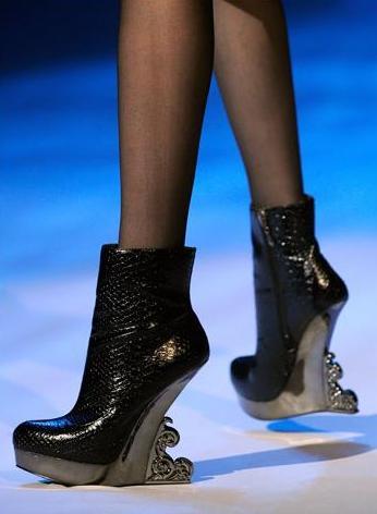 Cloven Boot
